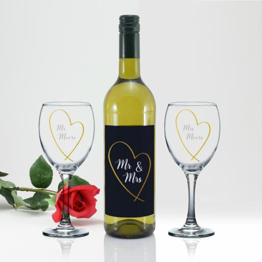 Mr & Mrs Gold Heart White Wine Gift Set